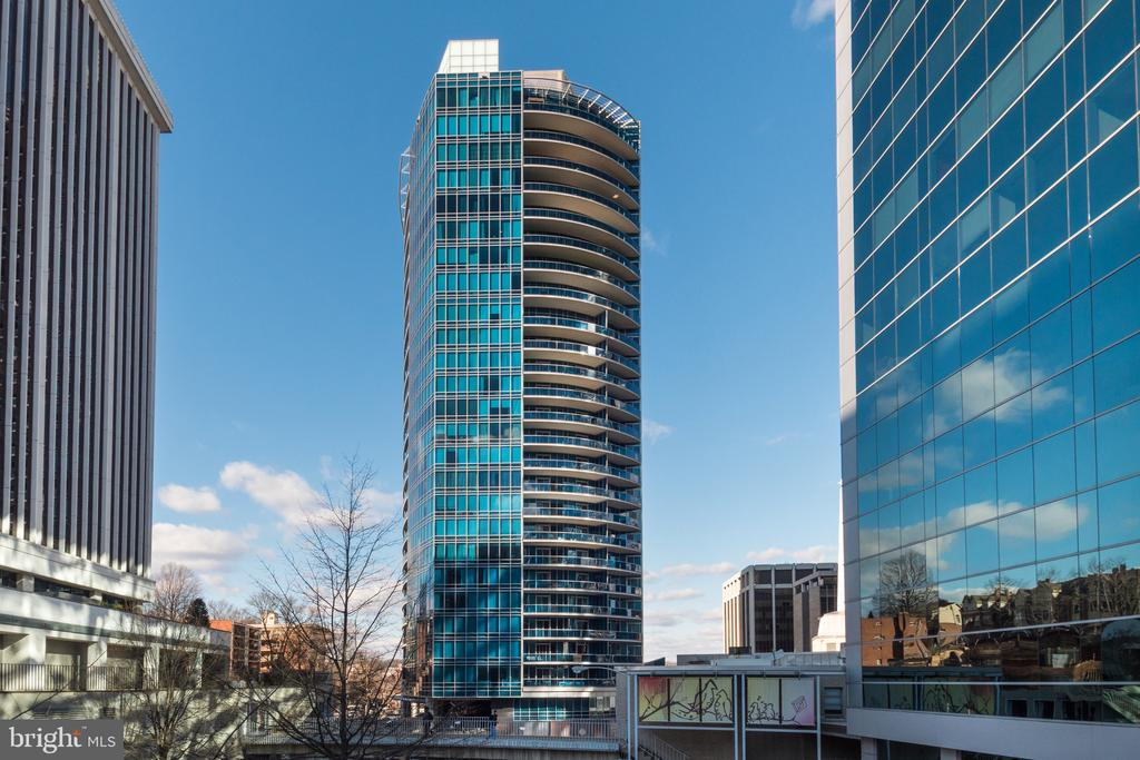 Turnberry Tower - 1881 N NASH ST #TS01, ARLINGTON