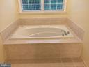Jacuzzi brand soaking tub in master bath - 12302 HUNGERFORD MANOR CT, MONROVIA