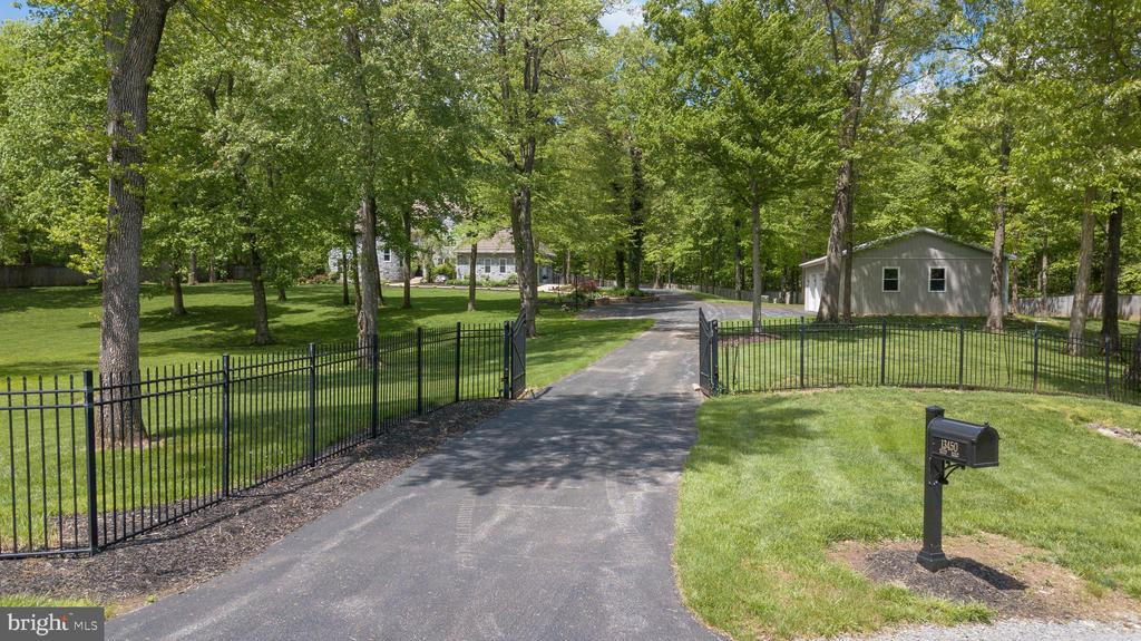 GATED DRIVE - 13450 REED RD, THURMONT