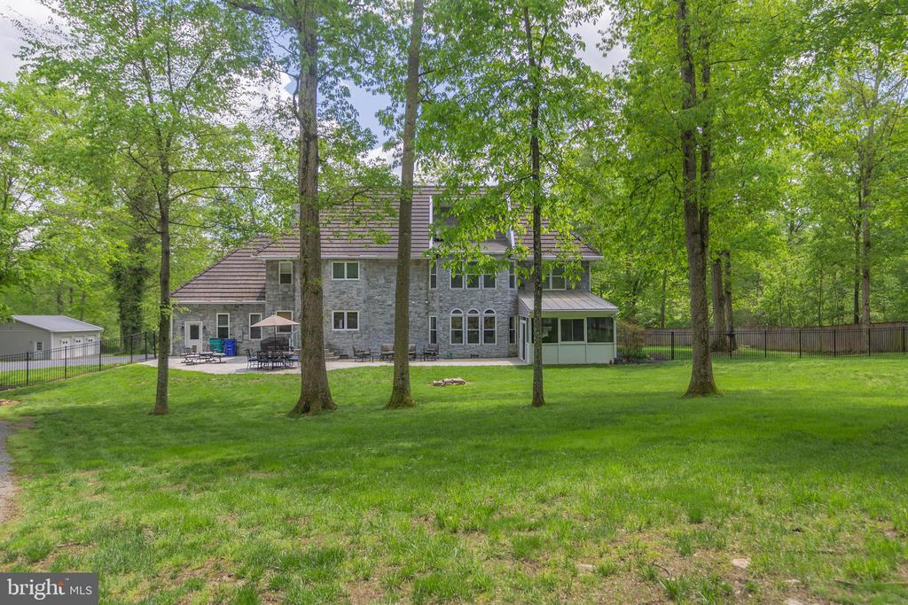 NICE SHADED LAWN - 13450 REED RD, THURMONT