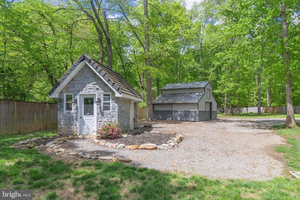 BARN AND EQUIPTMENT SHED - 13450 REED RD, THURMONT