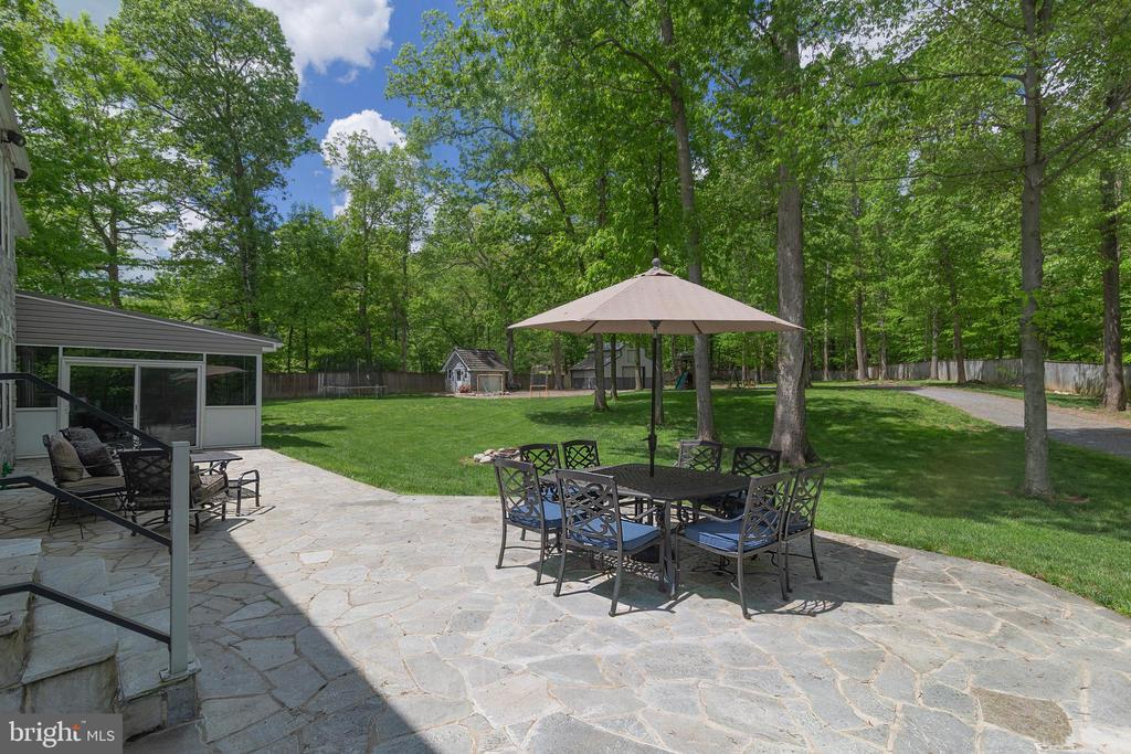 PATIO RO REAR LAWN - 13450 REED RD, THURMONT