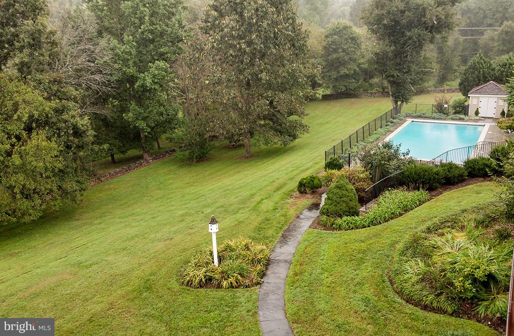 - 23540 OLD MEADOW LN, MIDDLEBURG