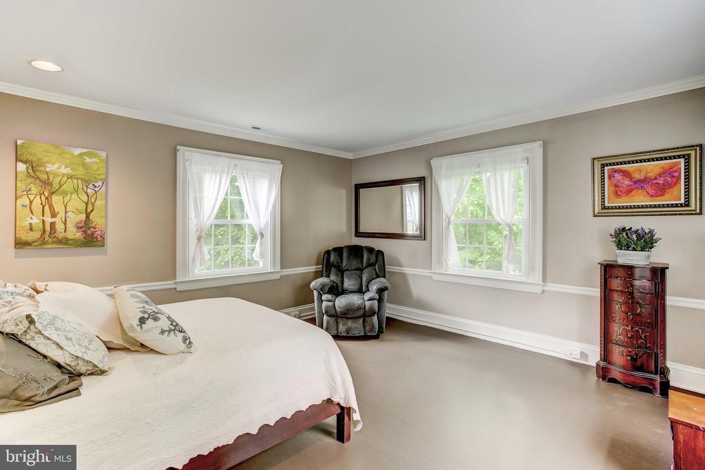 Bedroom - 115 WOODHOLME AVE, BALTIMORE