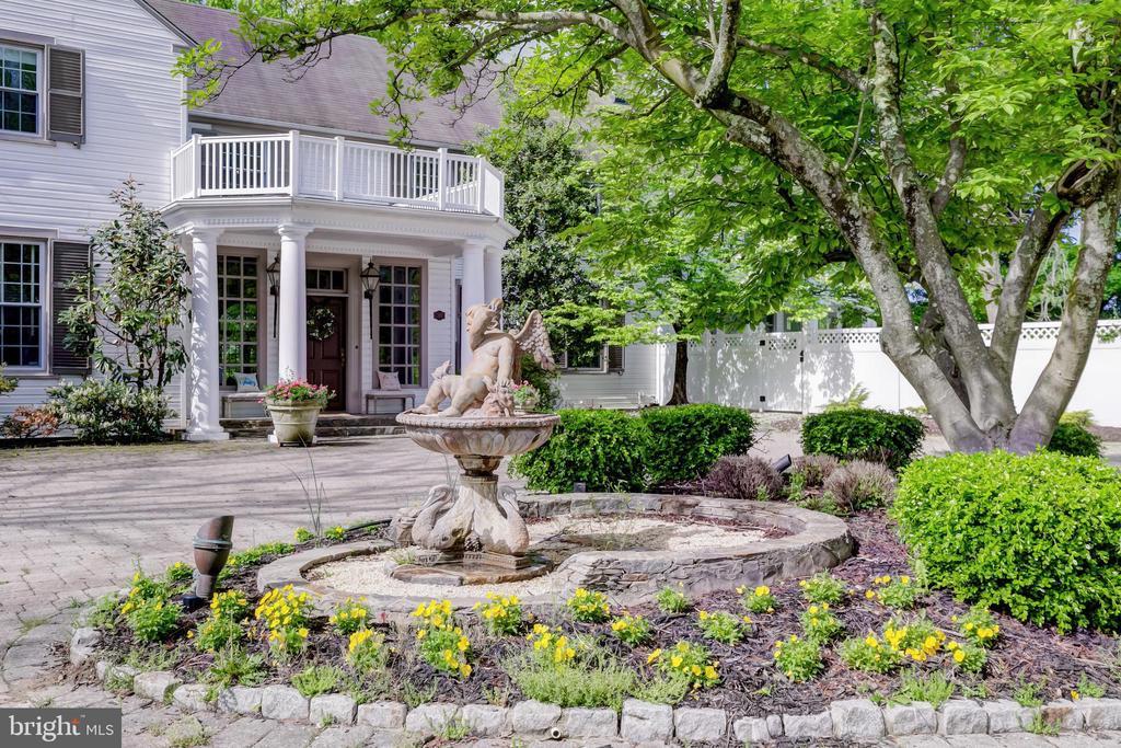 Main Entry & Garden - 115 WOODHOLME AVE, BALTIMORE