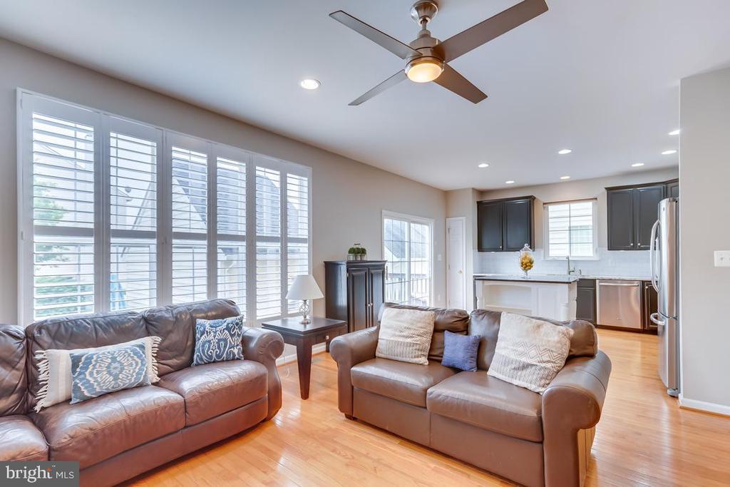 Living Room - 42773 CENTER ST, CHANTILLY