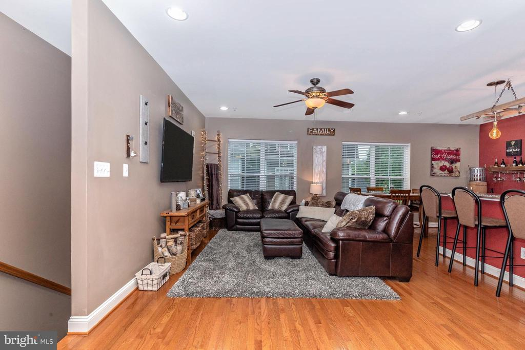 Family Room - 10224 NUTHATCH DR, NEW MARKET