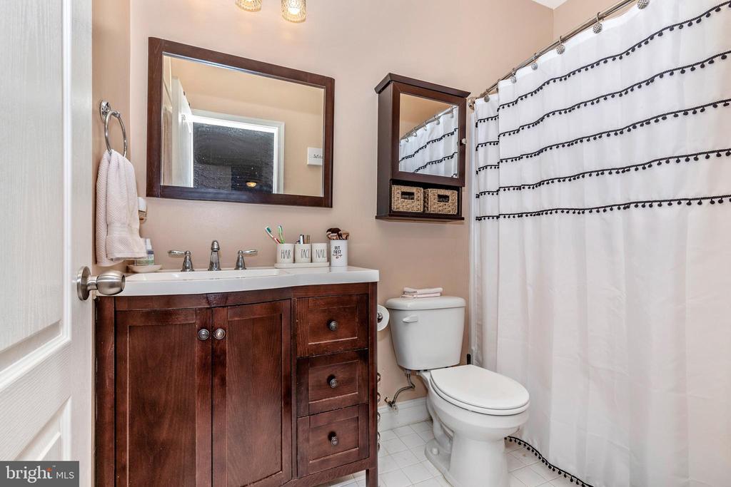 Lower Level Bath - 10224 NUTHATCH DR, NEW MARKET