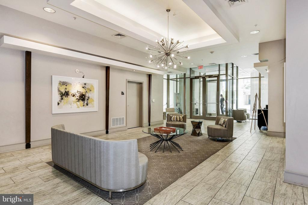 Beautiful lobby - 3600 S GLEBE RD #318W, ARLINGTON
