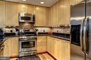 Updated Kitchen - 3600 S GLEBE RD #318W, ARLINGTON