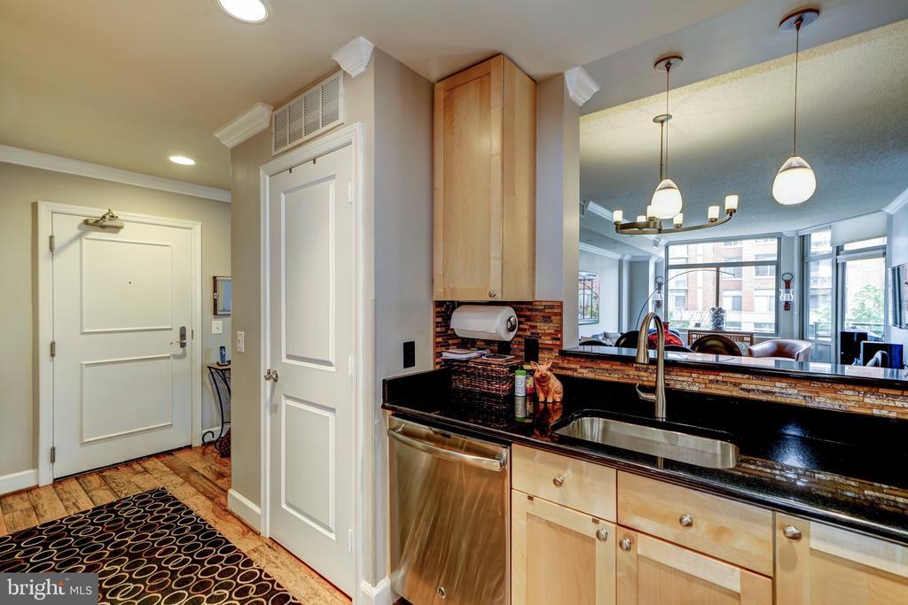 Kitchen - 3600 S GLEBE RD #318W, ARLINGTON