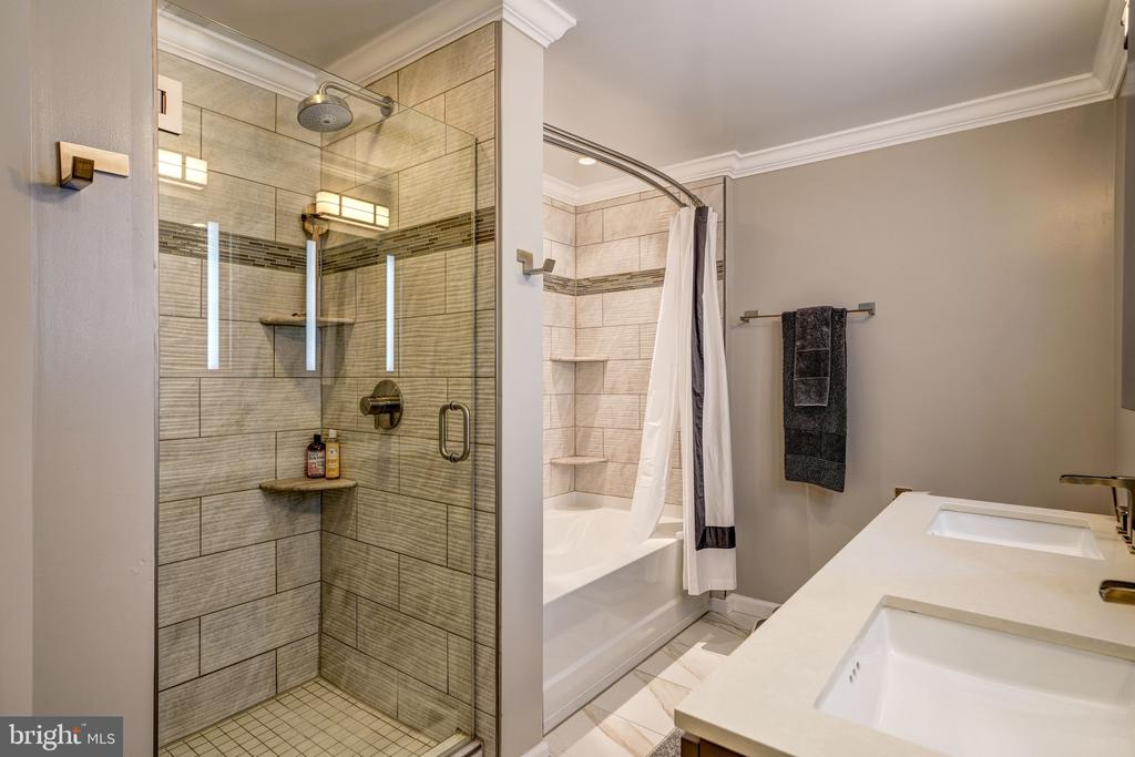 Master Bathroom Renovated in 2018 - 3600 S GLEBE RD #318W, ARLINGTON