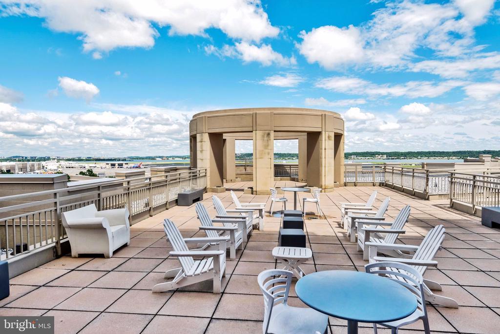 Rooftop - 3600 S GLEBE RD #318W, ARLINGTON