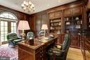 Library/ Study - 8317 WOODLEA MILL RD, MCLEAN