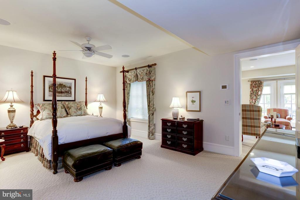 Guest Suite - 8317 WOODLEA MILL RD, MCLEAN