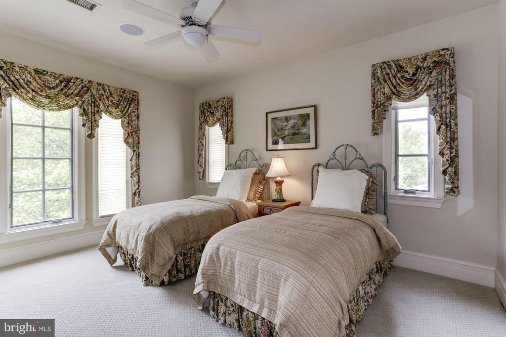 Bedroom #4 - 8317 WOODLEA MILL RD, MCLEAN