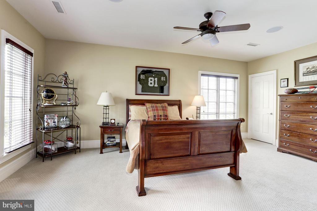 Bedroom #5 - 8317 WOODLEA MILL RD, MCLEAN
