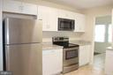 RENOVATED KITCHEN - 108 HOPELAND LN, STERLING