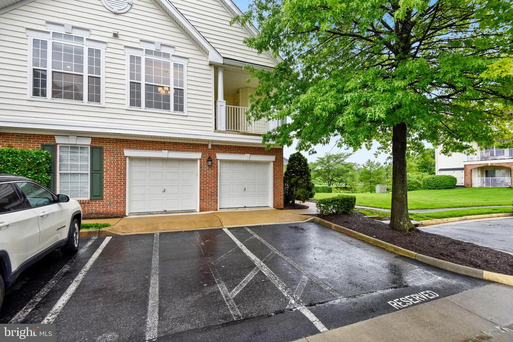 Attached Garage  + 1 extra reserved space - 43114 WATERCREST SQ #205, CHANTILLY