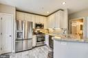 All new SS appliances + pantry - 43114 WATERCREST SQ #205, CHANTILLY