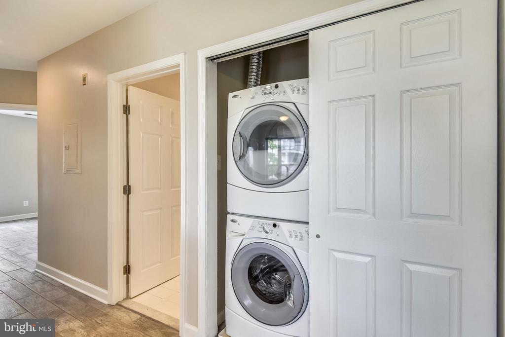 Full size stacked washer and dryer - 43114 WATERCREST SQ #205, CHANTILLY