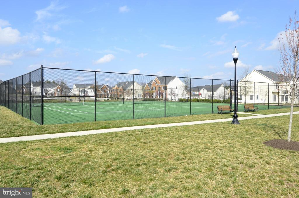Community tennis courts - 43114 WATERCREST SQ #205, CHANTILLY