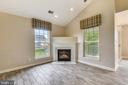 Spacious vaulted ceilings - 43114 WATERCREST SQ #205, CHANTILLY