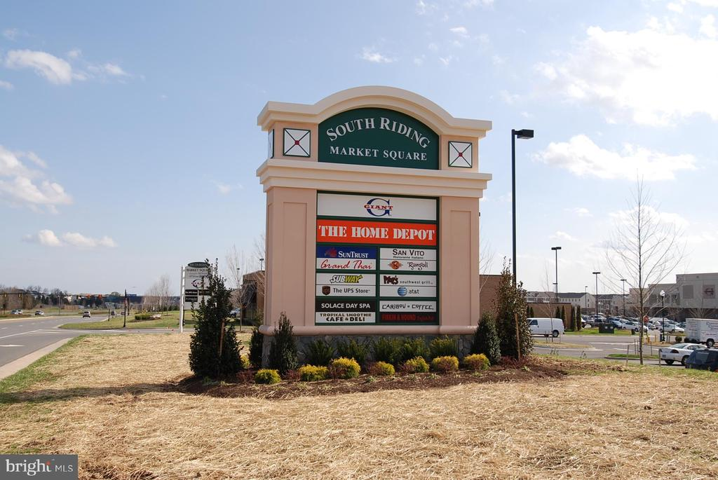 Convenient to multiple shopping centers - 43114 WATERCREST SQ #205, CHANTILLY