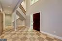 Main Level - Foyer w/ 21' ceiling - 11677 DANVILLE DR, ROCKVILLE