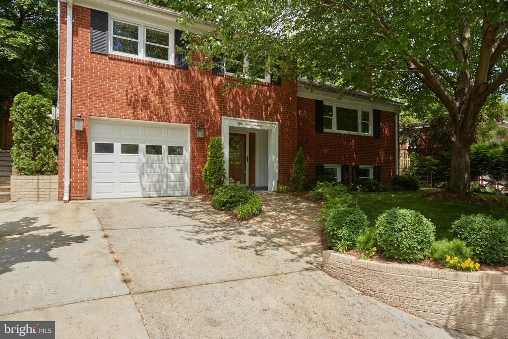 Arlington Homes for Sale -  Tennis Court,  5913  4TH ROAD N