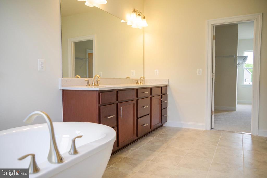 Master Bathroom - 126 PENNS CHARTER LN, STAFFORD