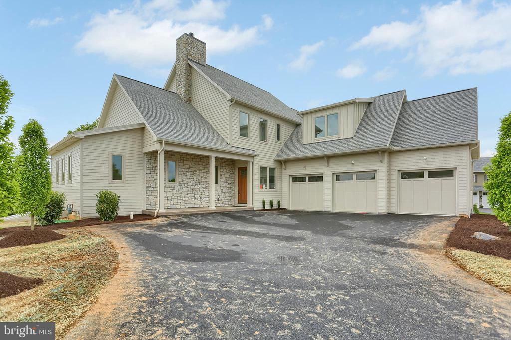 525  CHELTENHAM COURT, one of homes for sale in Manheim Township