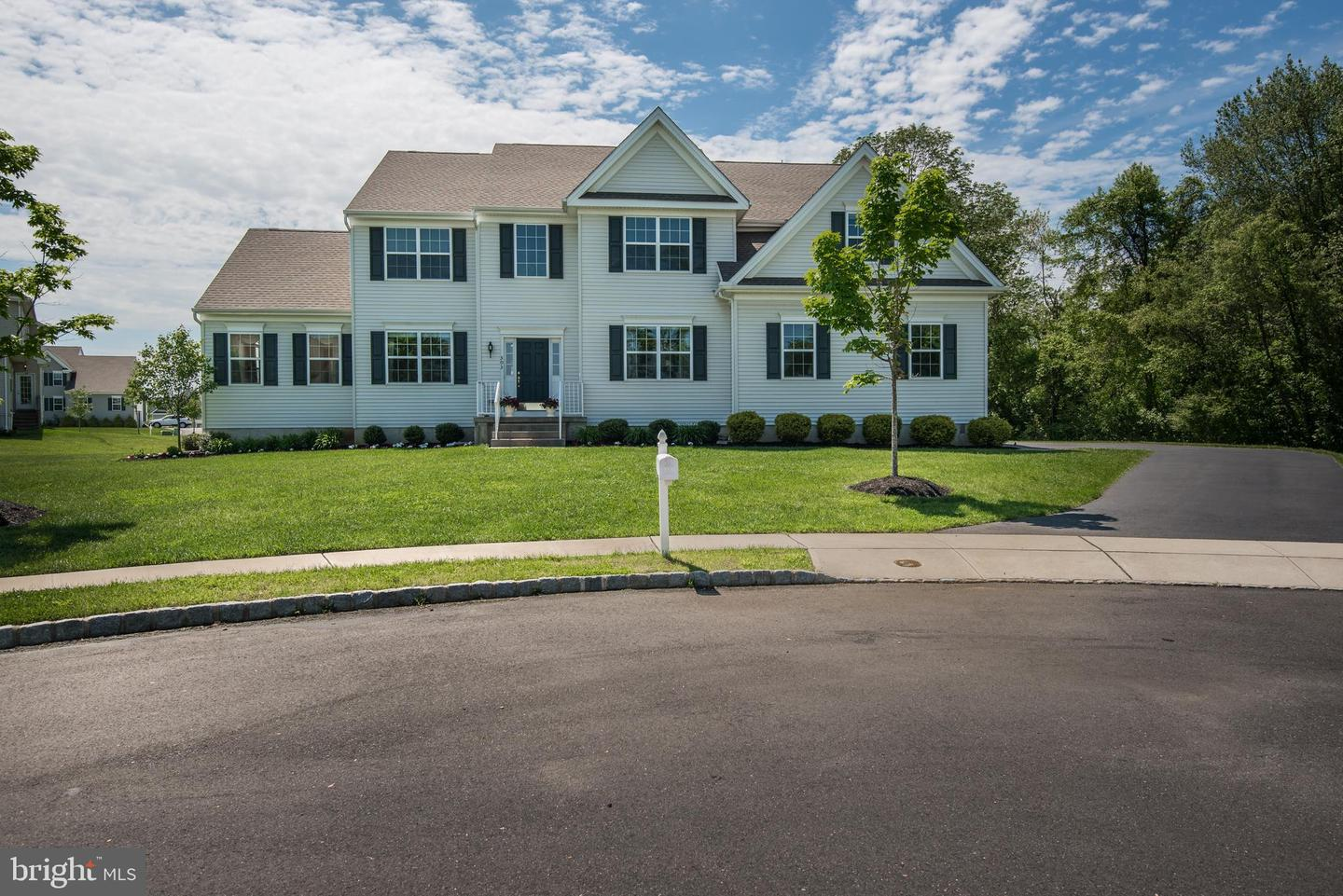 Single Family Home for Sale at Bordentown, New Jersey 08505 United States