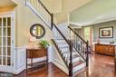 Inviting foyer open to upstairs hallway - 732 HUNTON PL NE, LEESBURG