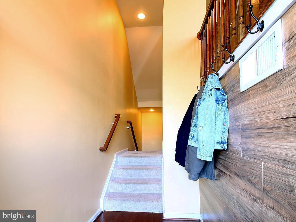 Foyer - 9030 PHITA LN, MANASSAS PARK