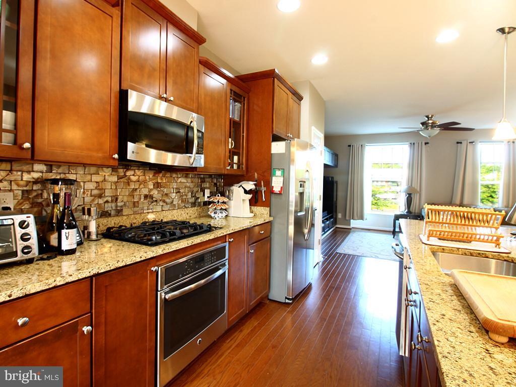 Kitchen - 9030 PHITA LN, MANASSAS PARK
