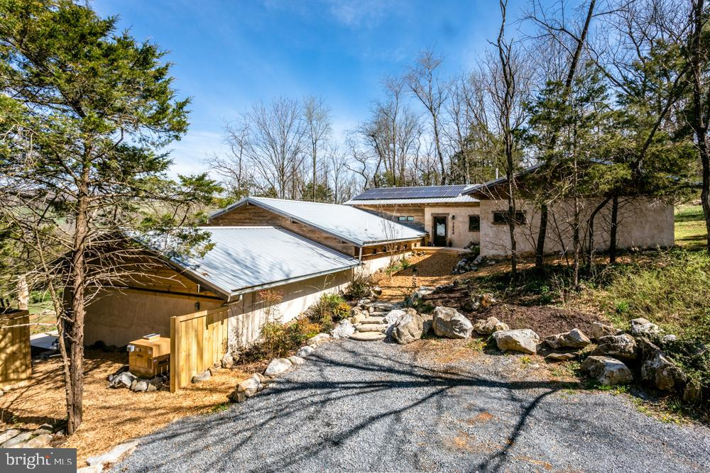 Single Family for Sale at 7846 Green Hill Rd Linville, Virginia 22834 United States