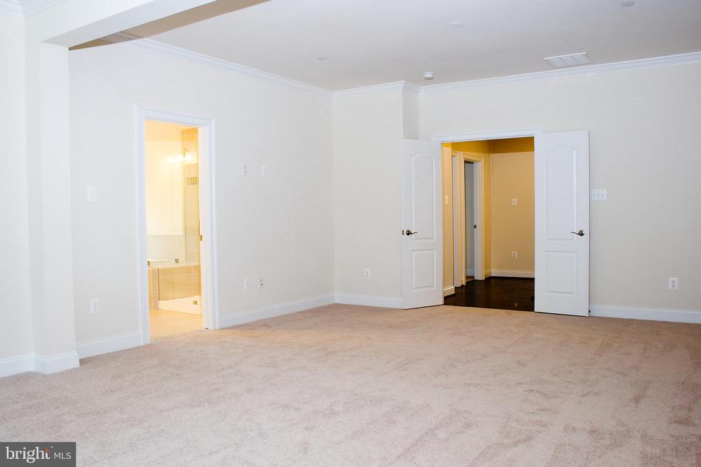 Large space with ensuite master bath - 6438 DRESDEN PL, FREDERICK