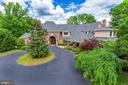 Circular drive along w/ porte-cochere on the side - 9179 OLD DOMINION, MCLEAN