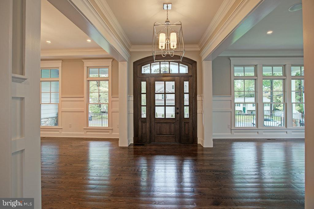 Breath taking foyer - 1922 BYRD RD, VIENNA