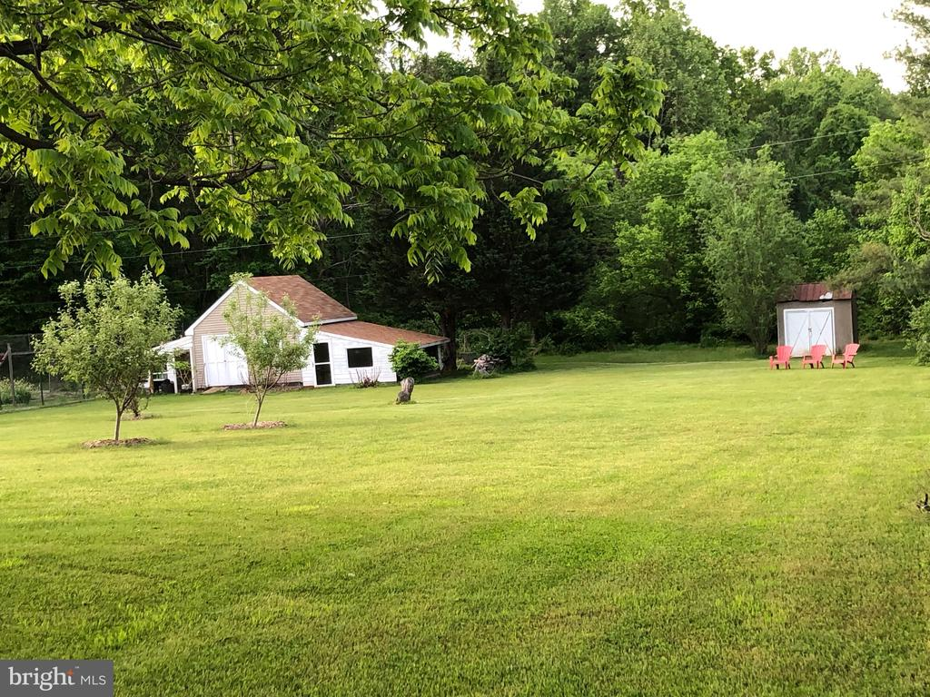 Shed for storage and green house. - 15020 ROLLING RIDGE RD, HAYMARKET