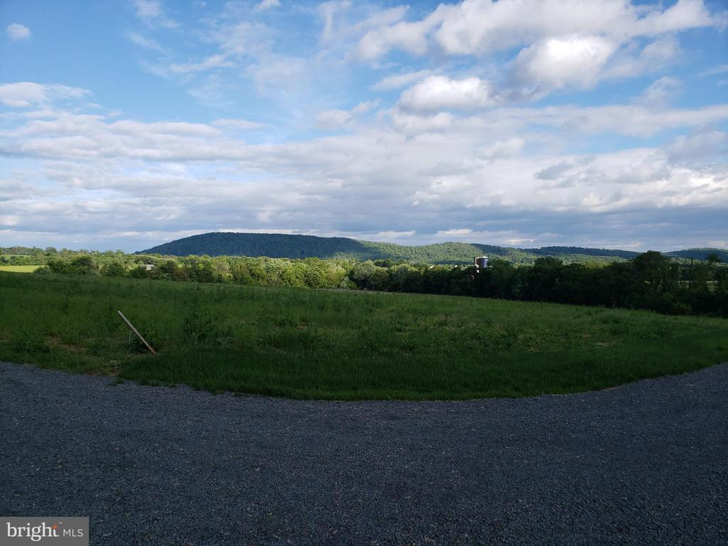 Breathtaking from every angle - YAKEY LN, LOVETTSVILLE