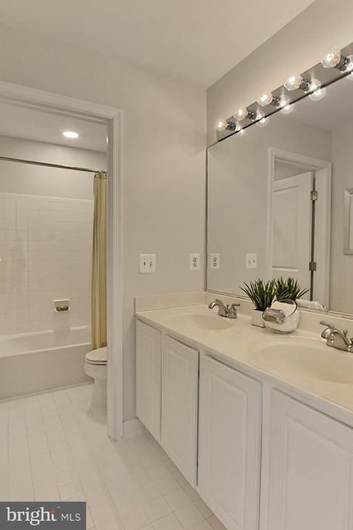 Dual Area FULL Bathroom #3 w/ Crisp Tile - 42690 EXPLORER DR, BRAMBLETON