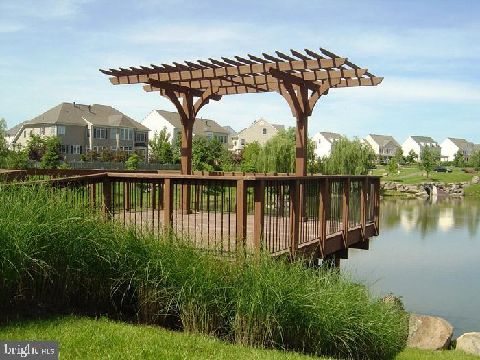 Enjoy Ponds stocked w/ Fish!! - 42690 EXPLORER DR, BRAMBLETON