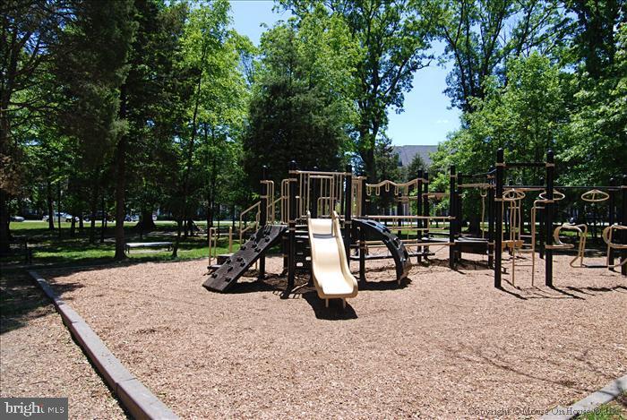 Tot Lots are Plentiful + our 15 Acre Legacy Park!! - 42690 EXPLORER DR, BRAMBLETON