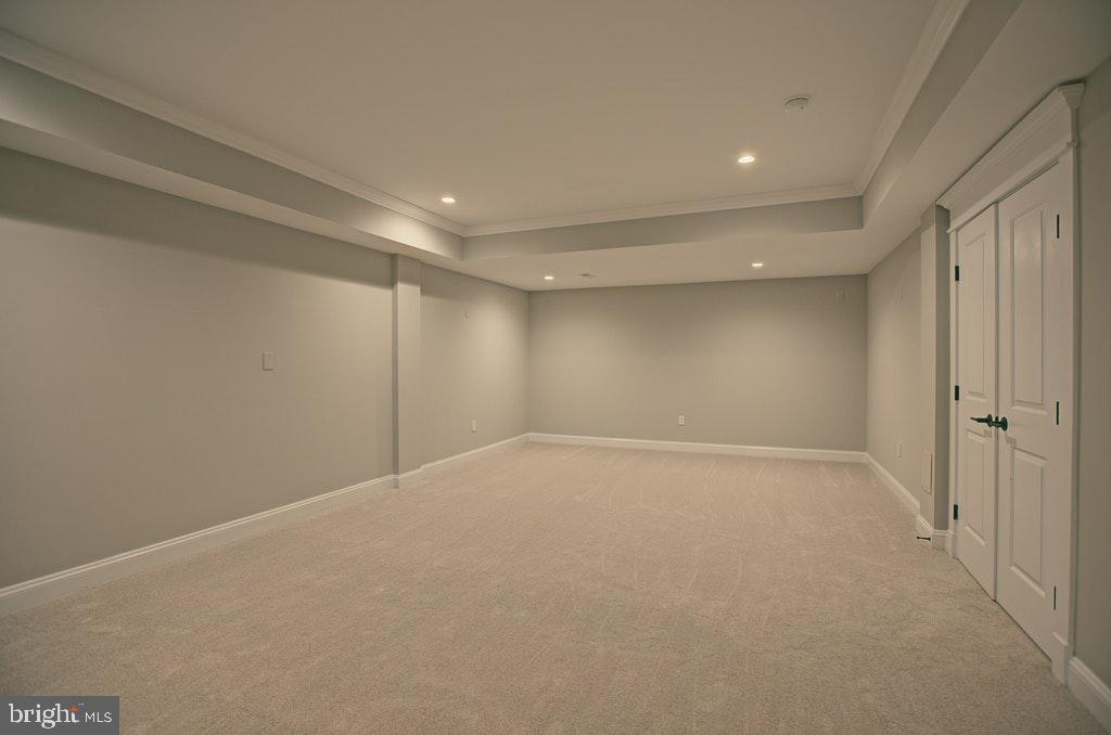 Media room in lower level - 1922 BYRD RD, VIENNA