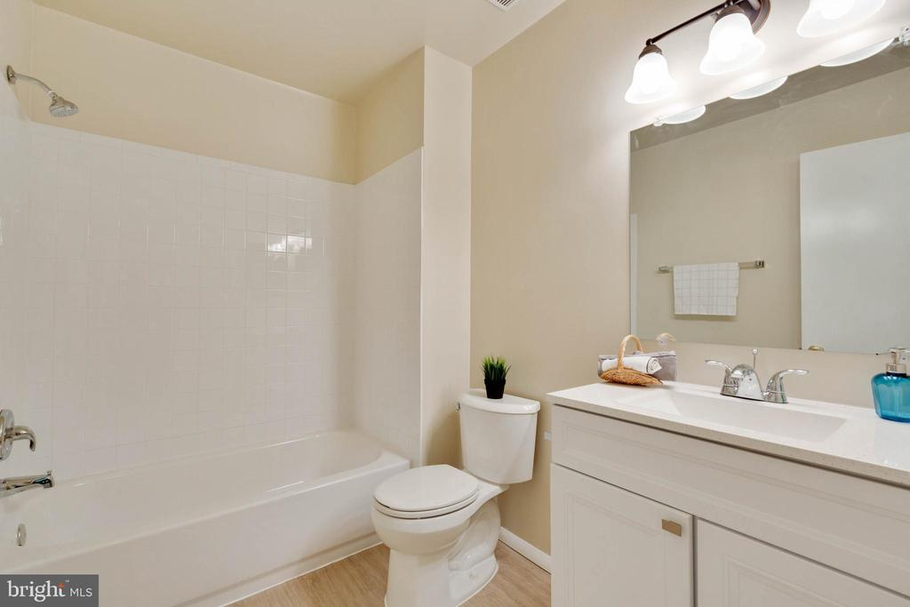 Updated Bathroom - 5967 VALERIAN LN, ROCKVILLE