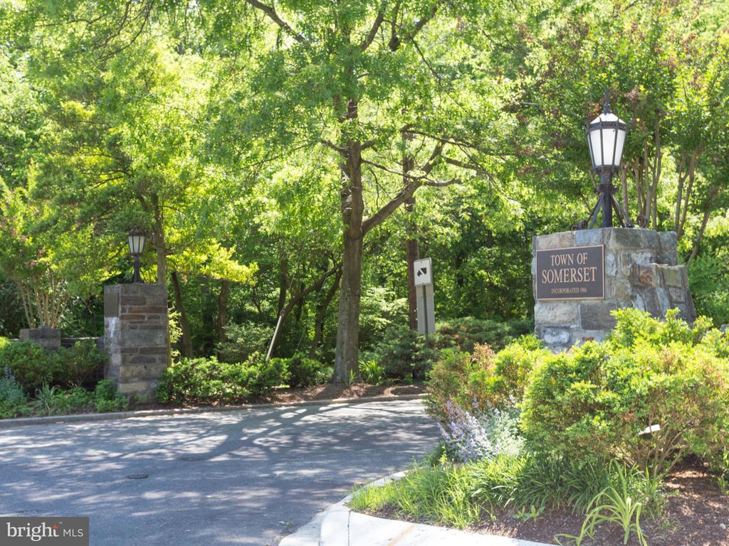 Town of Somerset - 4810 ESSEX AVE, CHEVY CHASE