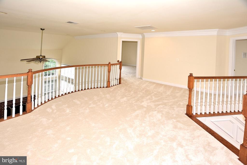 2nd floor - 8913 GRIST MILL WOODS CT, ALEXANDRIA
