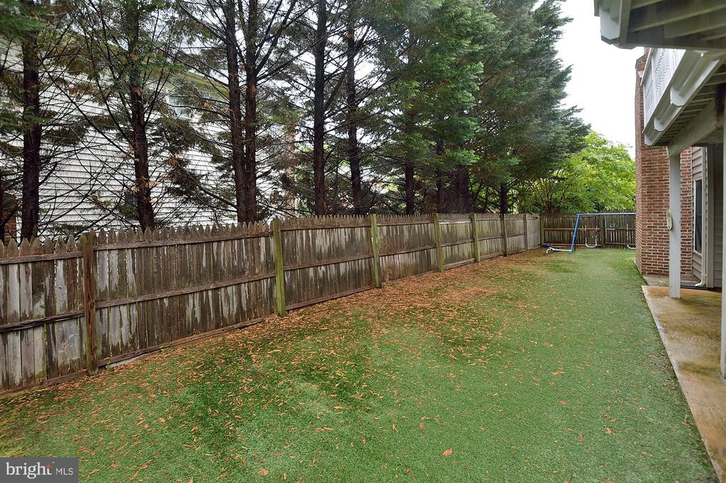 Backyard - 8913 GRIST MILL WOODS CT, ALEXANDRIA